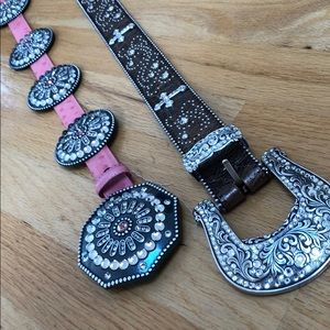 Beautiful belts! See pics for length :)